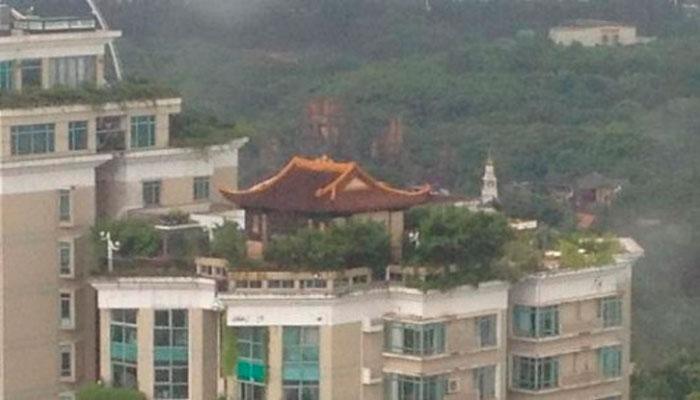 Ближе к Небу - Храм, Построен на Крыше Китайского Небоскреба
