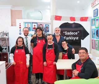 Турецкое кафе нанимает работников только с синдромом Дауна