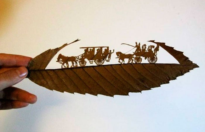 Резьба на Тонких Листьях Дерева от Омида Асади