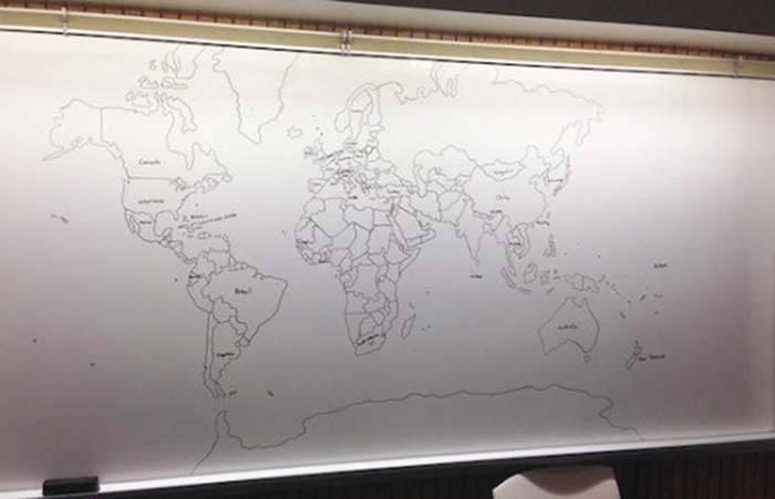 11-летний мальчик, страдающий аутизмом, рисует поразительно точную карту мира по памяти