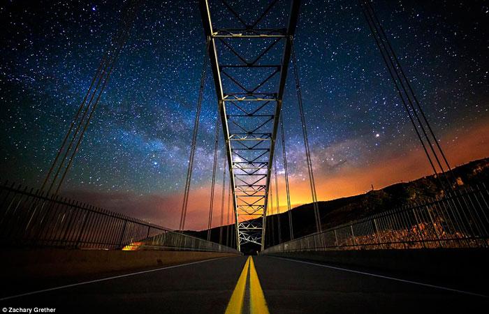 Мостом Рузвельта, через Озеро Рузвельтом