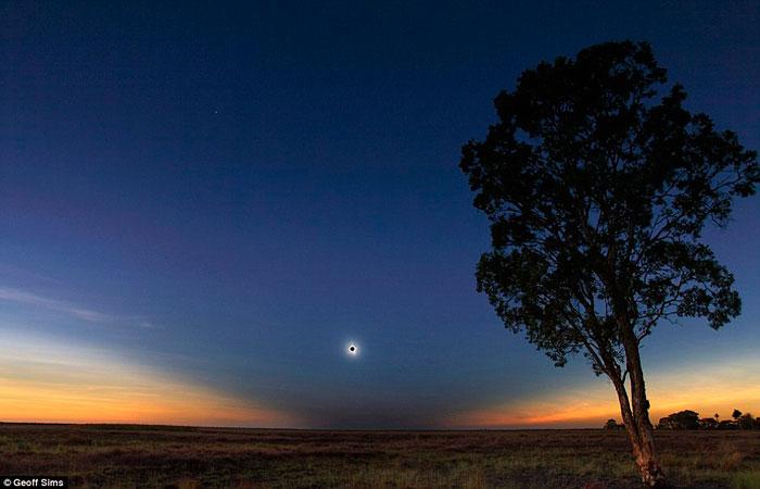 Солнечное затмение над Квинслендом в Австралии