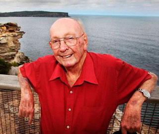 Австралиец Дон Ритчи Спас 160 Человек от Самоубийства
