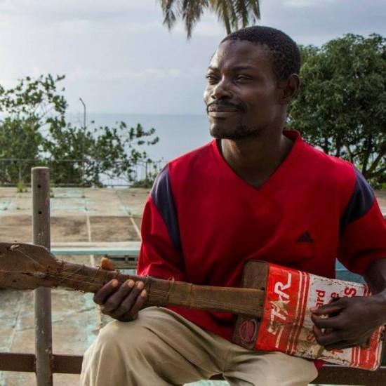 Знакомьтесь - Wesseh Freeman, слепой и бездомный гитарист