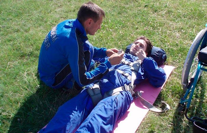 Андрей Николаев 12 лет назад первым в Беларуси прыгнул с парашютом