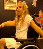 Девушка Парализованная в Аварии Вновь Учится Танцевать