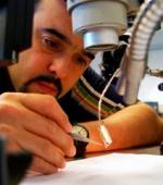 Разрабатываются Микро - Электронные Стимуляторы для Стимуляции Повреждения Спинного Мозга